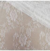 Csipke – Törtfehér színben, nagy virágos mintával