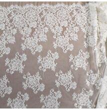 Elasztikus csipke – Fehér színben, nagy virágos, bordűrös mintával