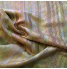 Pamut szatén – Geometriai mintával, mályvás árnyalatban