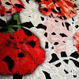 Pamut csipke – Nagyméretű színes virágmintával
