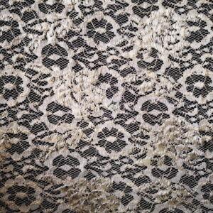 Elasztikus csipke – Fehér színben, fényes virág  mintával
