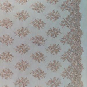Csipke – Bordűrös, 3D-s virág mintás csipke, mályva színben (BIANKA)