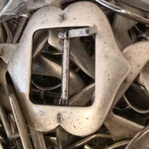 Fém övcsat – Antikolt ezüst színben