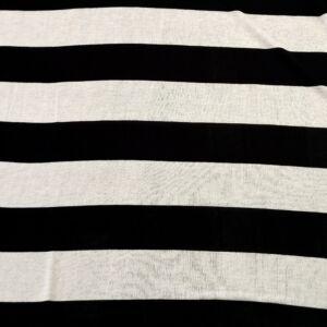 Kötött kelme – Fekete és fehér csíkos mintával