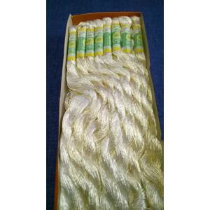 Suncokret hímzőfonal – fehér színben