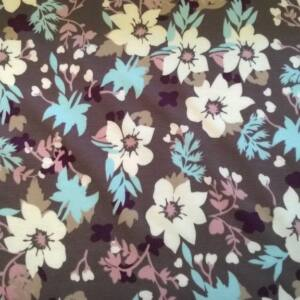 Vastag Jersey – Mályva alapon fehér nagy virágos mintával