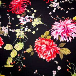 Barbi Crepe – Nagyméretű virág mintával, fekete alapon