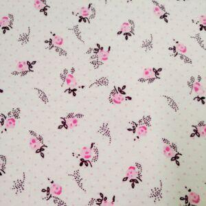 Flanel – Fehér alapon kis virágos mintával