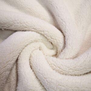 Műszőrme – Tört fehér színben, rövid szőrű