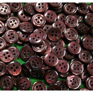 Inggomb – Gyöngyházfényű vöröses barna színben, négylyukú, 10mm