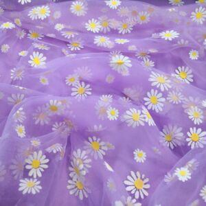 Lágy tüll – Virág mintával, lila alapon