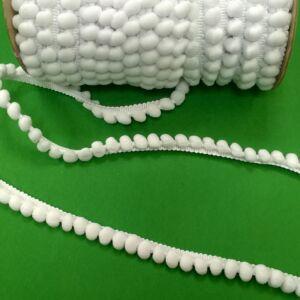 Paszomány - Fehér színben, bogyókkal díszített