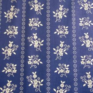 Pamutvászon – Kékfestő szalagos virág mintával