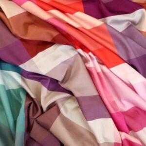 Pamut szatén – Nagyméretű színes kockás mintával