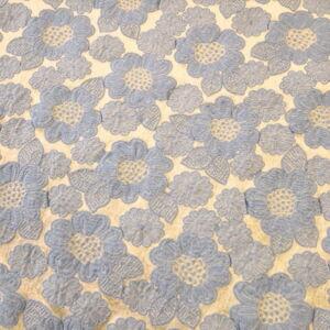 Jacquard – Vajszínű és kék virágmintával, kétoldalas