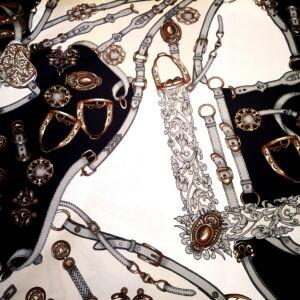 Poliészter selyem – Öv mintával, fekete árnyalatban