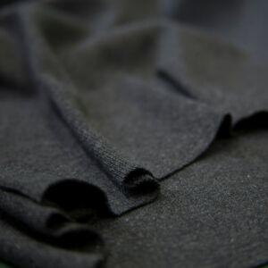 Passzé anyag – Körkötött, sötétszürke színben
