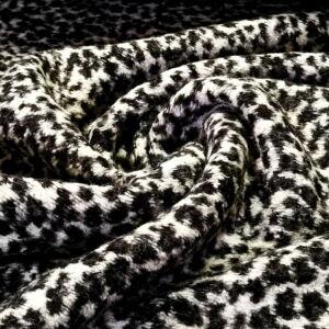 Kötött kelme – Fekete és fehér leopárd mintával