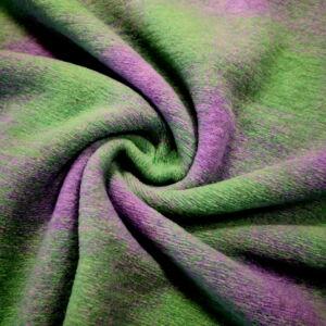 Kötött kelme – Zöld és lila színű kockás mintával
