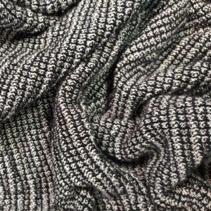 Kötött kelme – Fekete és fehér kötéssel