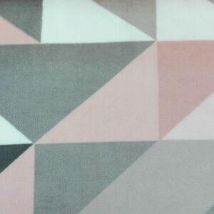 Wellsoft (Léda) – Háromszög mintával, rózsaszín árnyalatban
