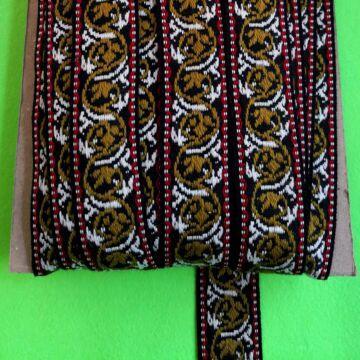 Hímzett szalag – Fekete alapon barna mintával, 4cm