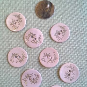 Kagyló gomb – Rózsaszín színű porcelán bevonattal, Bottega