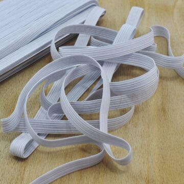 Gumiszalag – Bordázott gumi fehér színben, 12mm