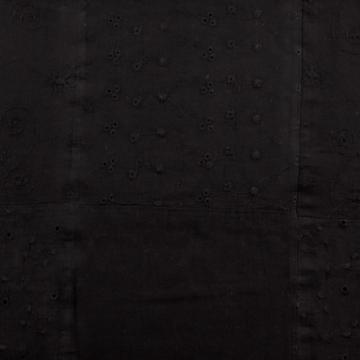 Batiszt – Fekete madeira stílusú hímzéssel