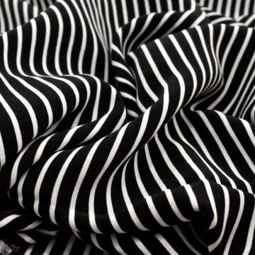Viszkóz selyem – Fekete-fehér széles csíkos mintával