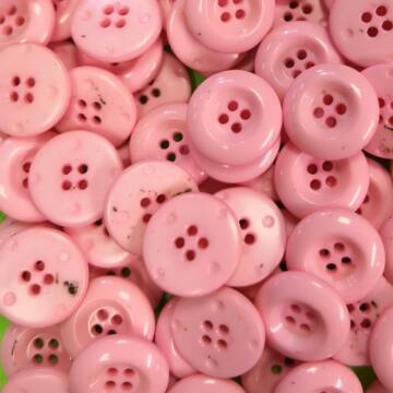 Műanyag gomb – Rózsaszín, négylyukú, 20mm