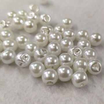 Gyöngy gomb – Gyöngyházfényű, fehér színben, 5mm (2186)
