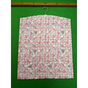 Vállfás ovis zsák – Rózsaszín macis és szívecskés mintával