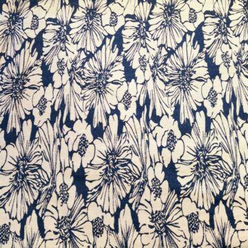 Jacquard szövet – Farmer kék és fehér színű virág mintával