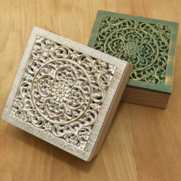 Varrós doboz – Faragott tetővel, fehér és zöld színben