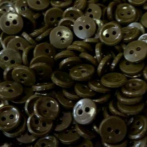 Inggomb – Kekizöld színben, kétlyukú, 12mm