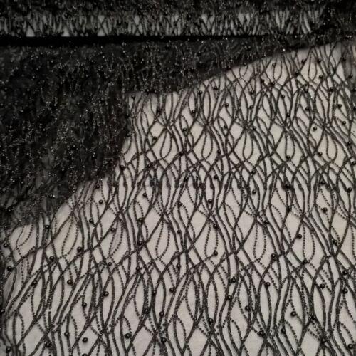 Lágy tüll – Fekete csillogó mintával, gyöngyökkel díszítve