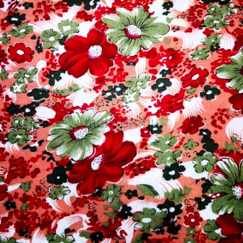 Viszkóz selyem – Piros és zöld színű virág mintával