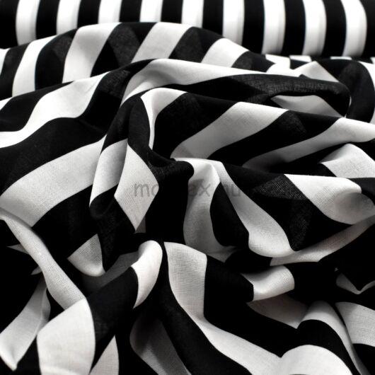 Batiszt – Fekete-fehér széles csíkos mintával